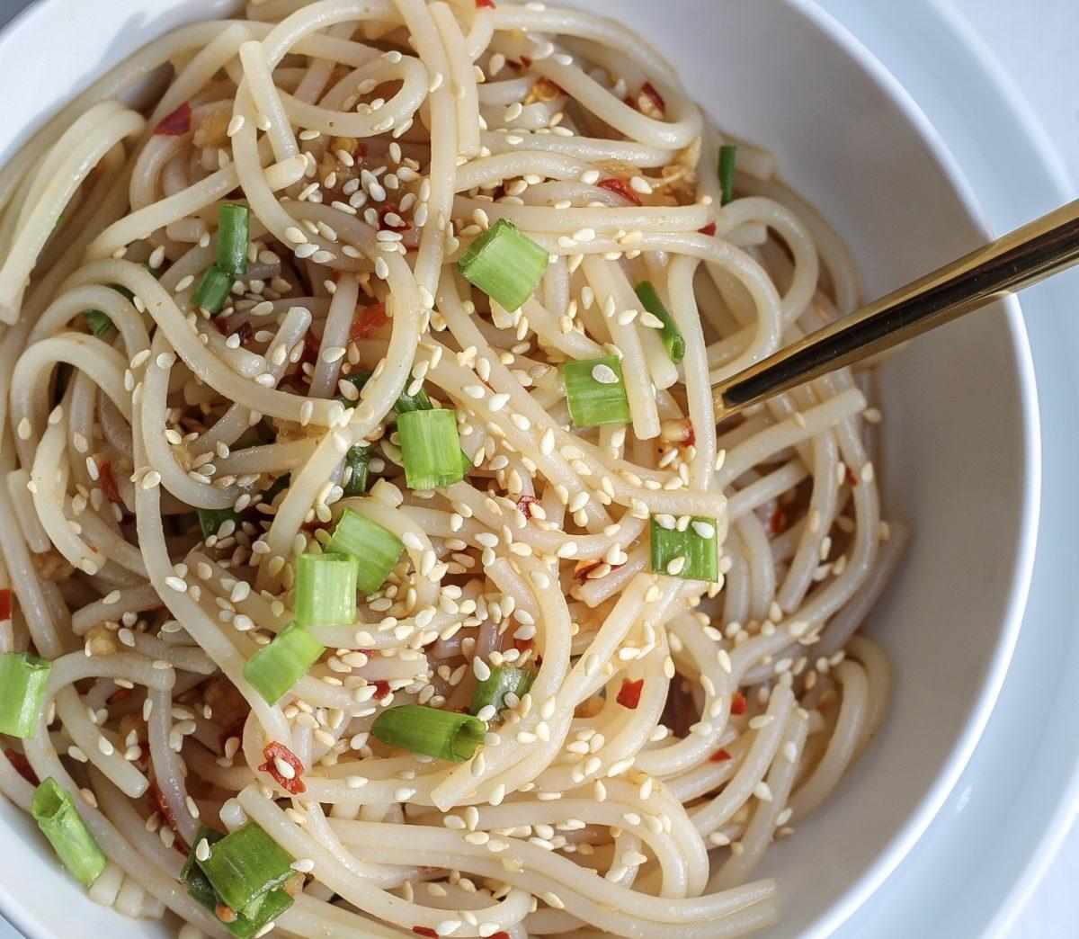 Easy Healthy Garlic Sesame Noodles